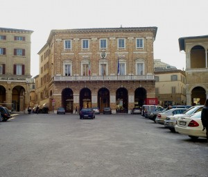 comune-piazza-libertà1-300x255