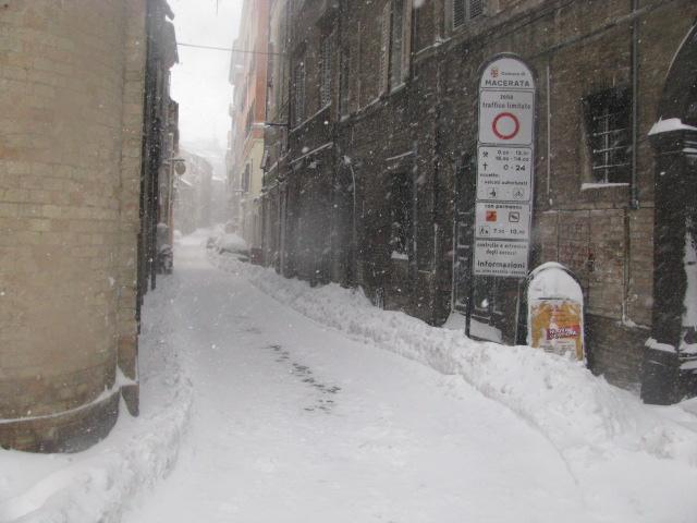Centro-storico-Macerata-con-neve-14