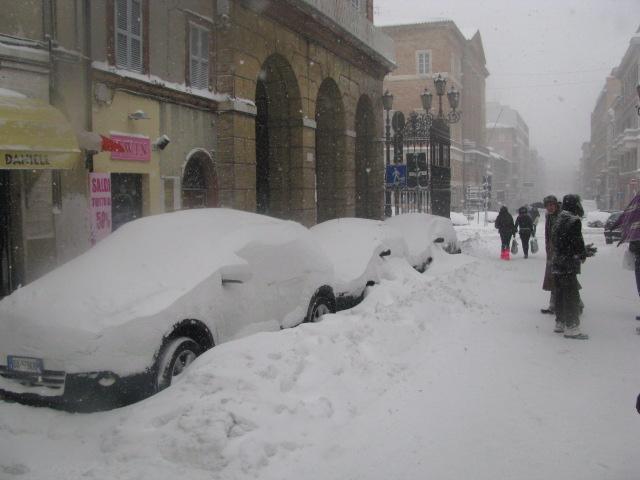 Centro-storico-Macerata-con-neve-16