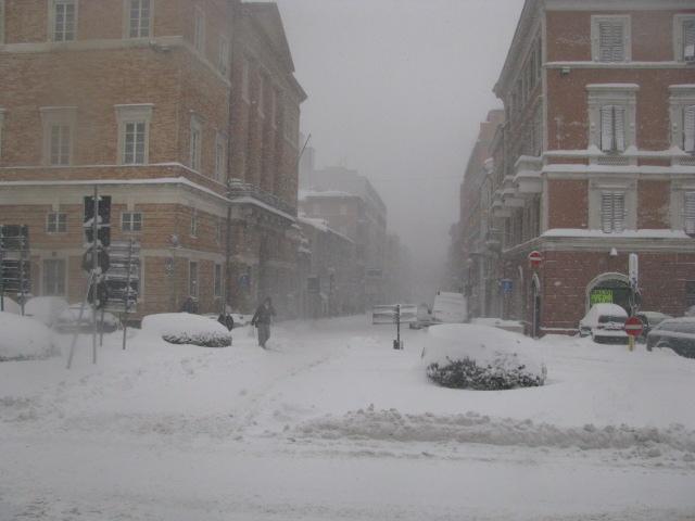 Centro-storico-Macerata-con-neve-17