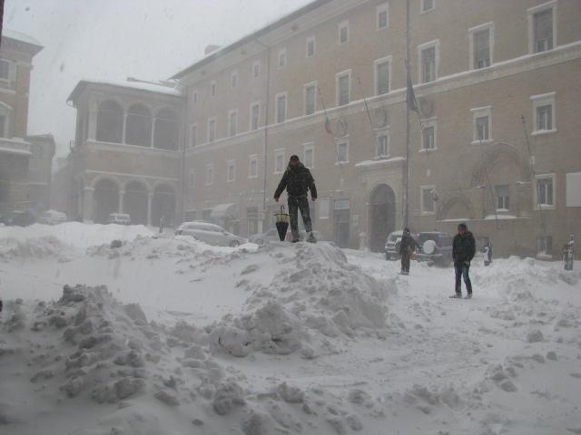 Centro-storico-Macerata-con-neve-2