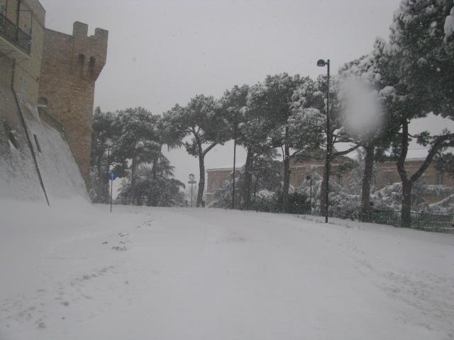 Centro-storico-Macerata-con-neve-29