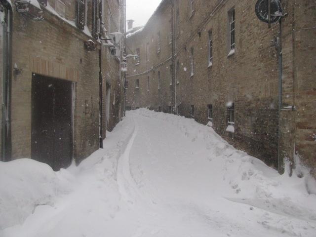 Centro-storico-Macerata-con-neve-35