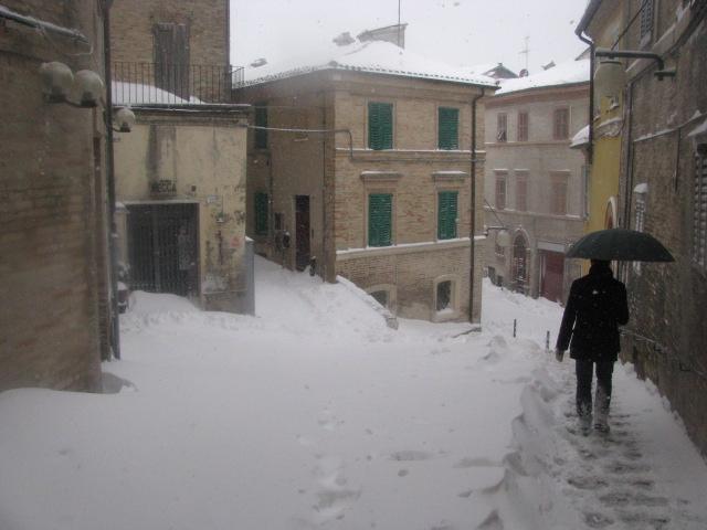 Centro-storico-Macerata-con-neve-36
