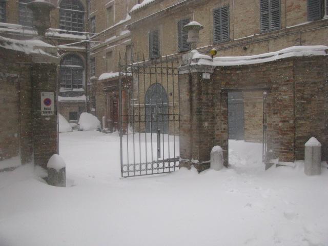 Centro-storico-Macerata-con-neve-39