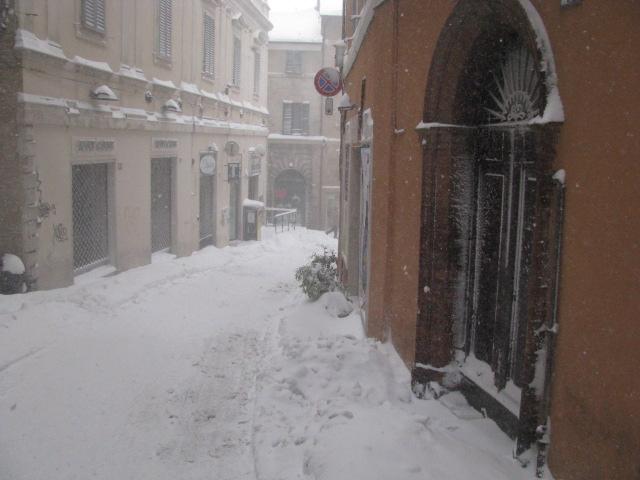 Centro-storico-Macerata-con-neve-8