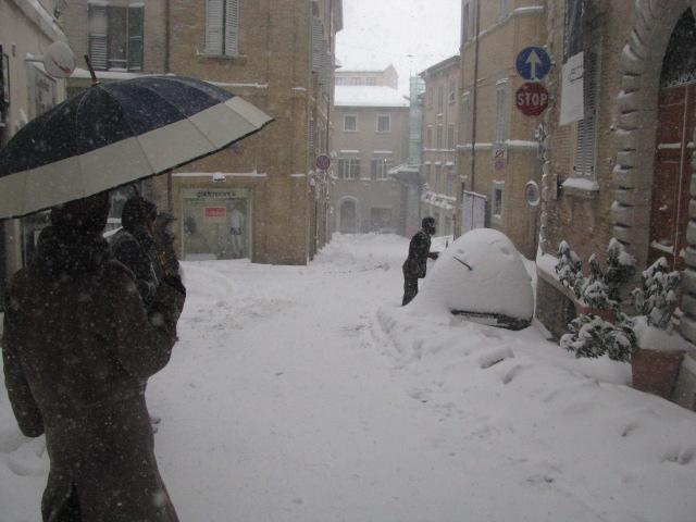 Centro-storico-Macerata-con-neve-9