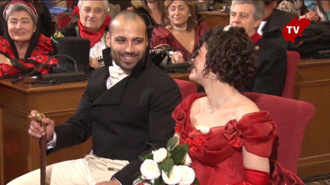 20e43c12baa8 Matrimonio in maschera al Comune di Macerata