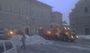 neve-pulizia-centro-storico-mc-3-300x179