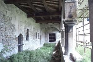 castello-di-beldiletto-Pievebovigliana-Guido-Picchio-2-300x200