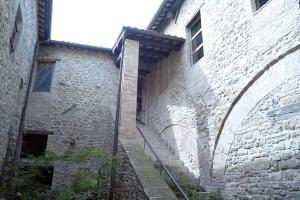 castello-di-beldiletto-Pievebovigliana-Guido-Picchio-6-300x200