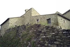 castello-di-beldiletto-Pievebovigliana-Guido-Picchio-8-300x200