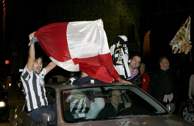 Festa-Juventus-Piazza-della-Libertà-Macerata-14