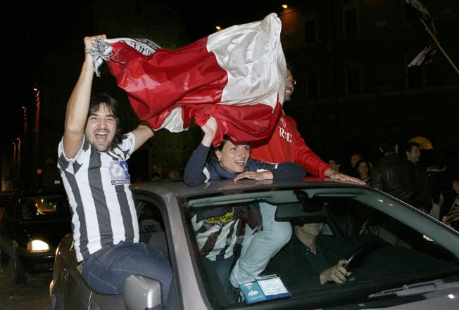 Festa-Juventus-Piazza-della-Libertà-Macerata-15