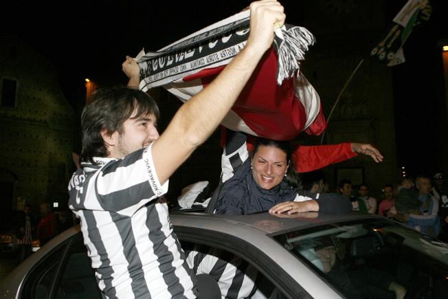 Festa-Juventus-Piazza-della-Libertà-Macerata-16