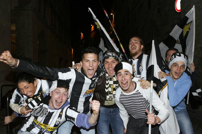 Festa-Juventus-Piazza-della-Libertà-Macerata-4