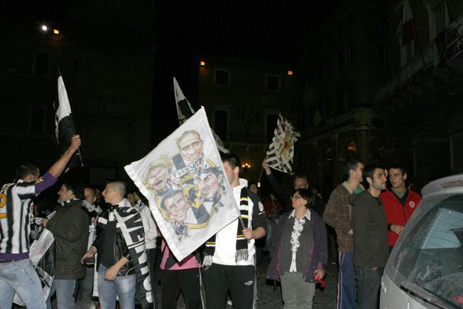 Festa-Juventus-Piazza-della-Libertà-Macerata-7