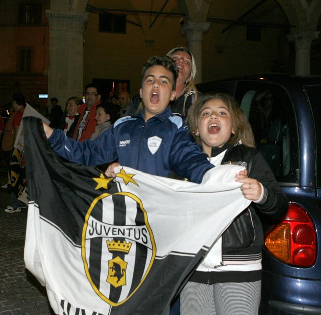 Festa-Juventus-Piazza-della-Libertà-Macerata-8