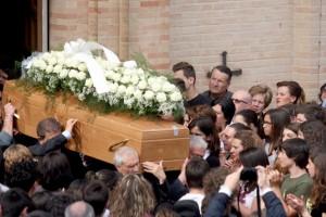 Funerali-Elvira-1-4-300x200