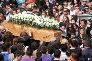Funerali-Elvira-1-5-300x200
