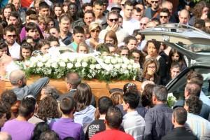 Funerali-Elvira-2-3-300x200