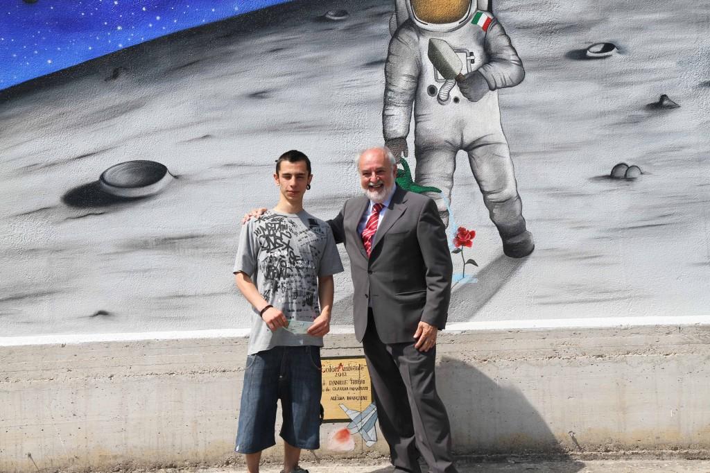 Premiazione-vincitore-Murale-1-1024x682