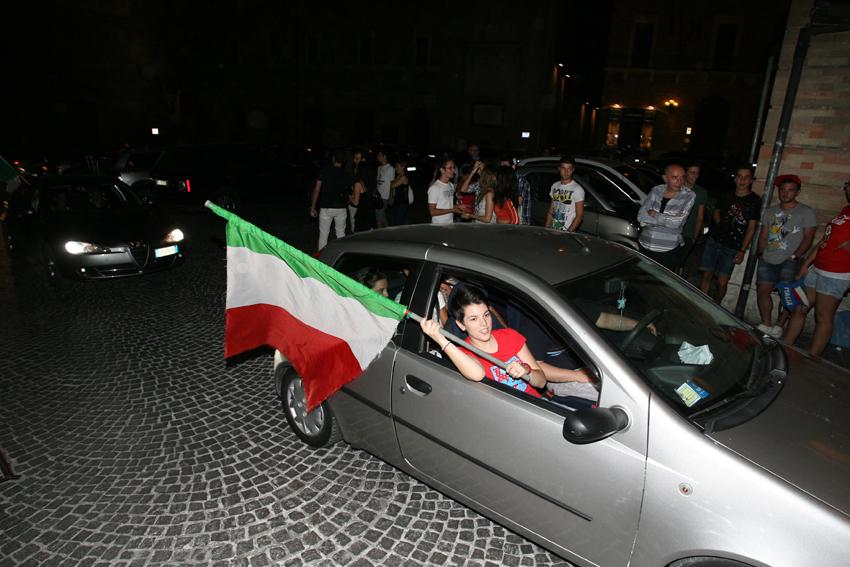 Macerata-in-festa-per-lItalia-in-finale-agli-Europei-14