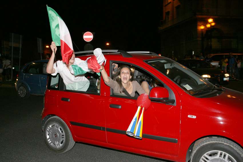 Macerata-in-festa-per-lItalia-in-finale-agli-Europei-17