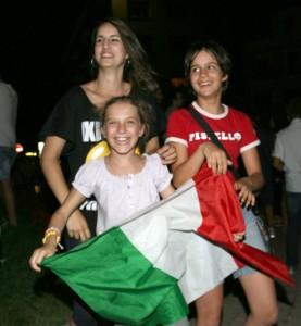 Macerata-in-festa-per-lItalia-in-finale-agli-Europei-18-277x300