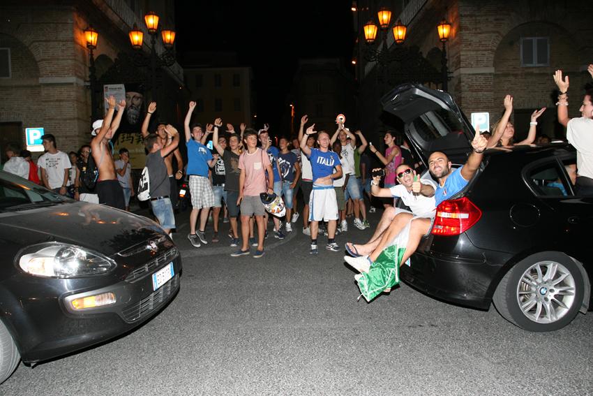 Macerata-in-festa-per-lItalia-in-finale-agli-Europei-30