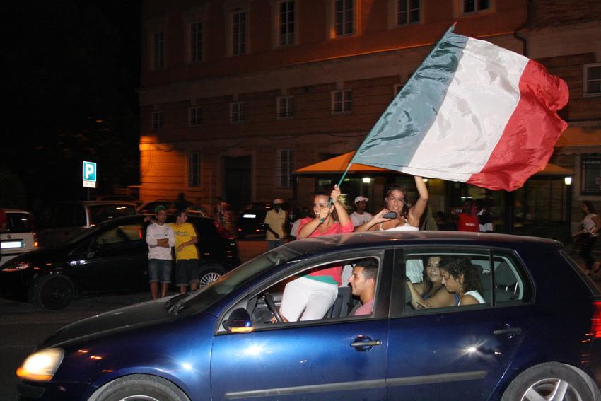 Macerata-in-festa-per-lItalia-in-finale-agli-Europei-7