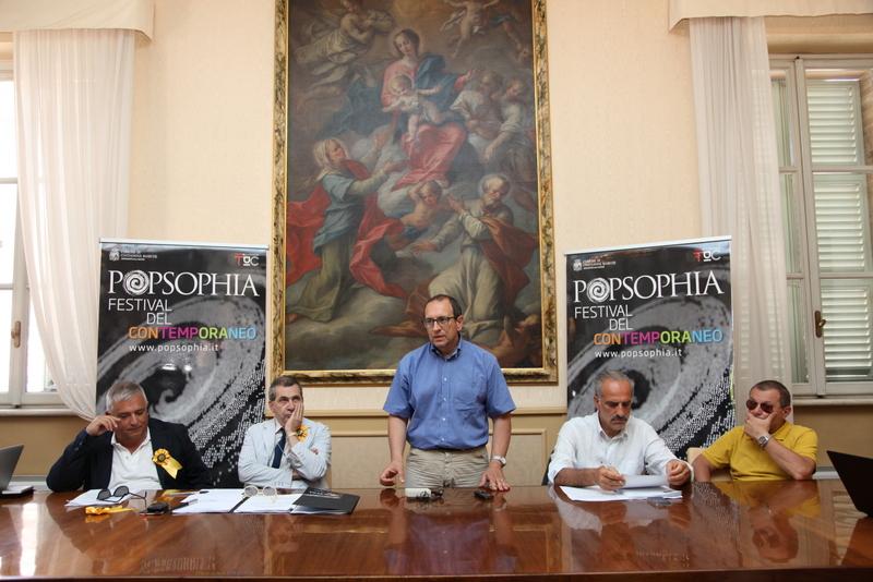 Il sindaco Corvatta durante la presentazione di Popsopgia con Alfredo Di Lupidio, Evio Hermas Ercoli,  Giulio Silenzi e Giacomo Saracco