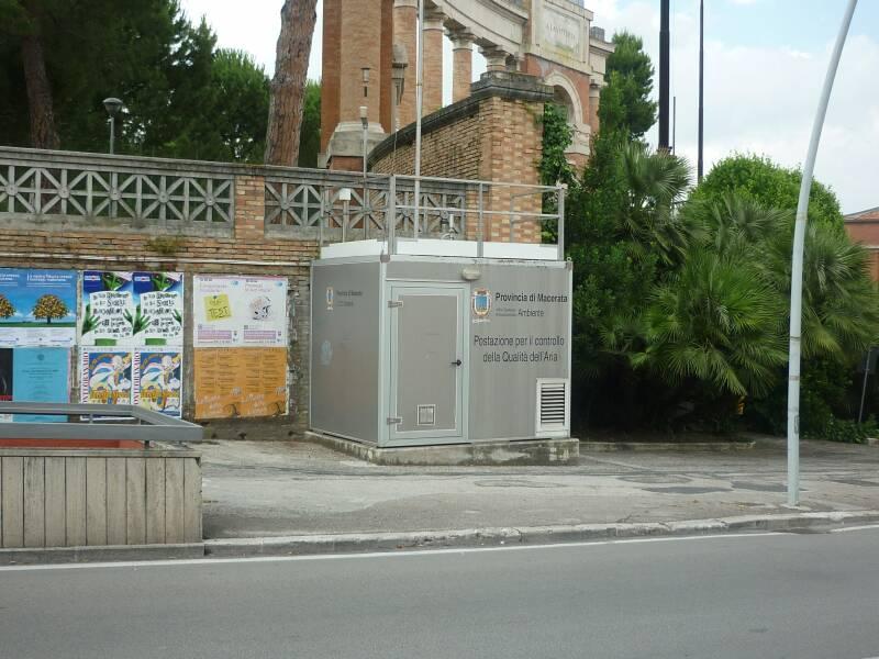 C'ERA UNA VOLTA la centralina per i rilevamenti di Pm10 in piazza della Vittoria