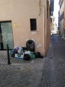 immondizia_centro-2-224x300