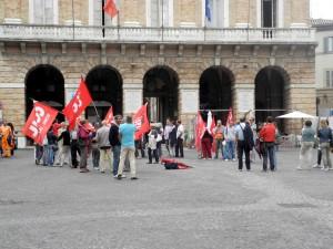 sindacati-in-piazza-cgil-1-300x225