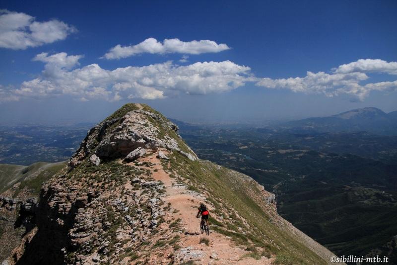Corona-della-Sibilla-2173-m.