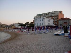 Spiaggia-e-Palazzina-azzurra