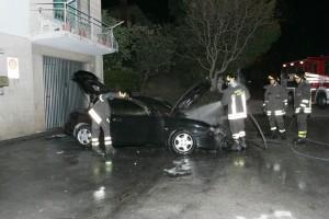 auto-incendiata-31-300x200