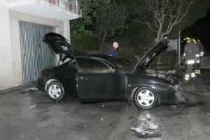 auto-incendiata-41-300x200