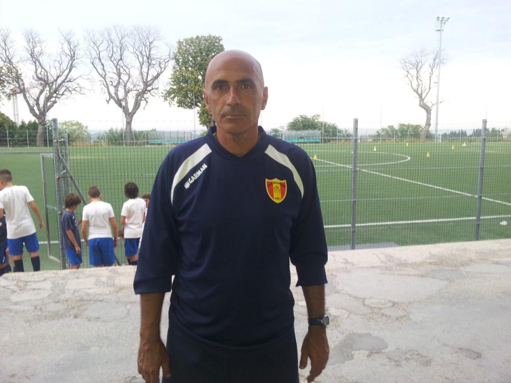 L'allenatore della Juniores della Recanatese Fausto Curzi