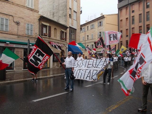 Forza-Nuova-Corso-Cairoli-1