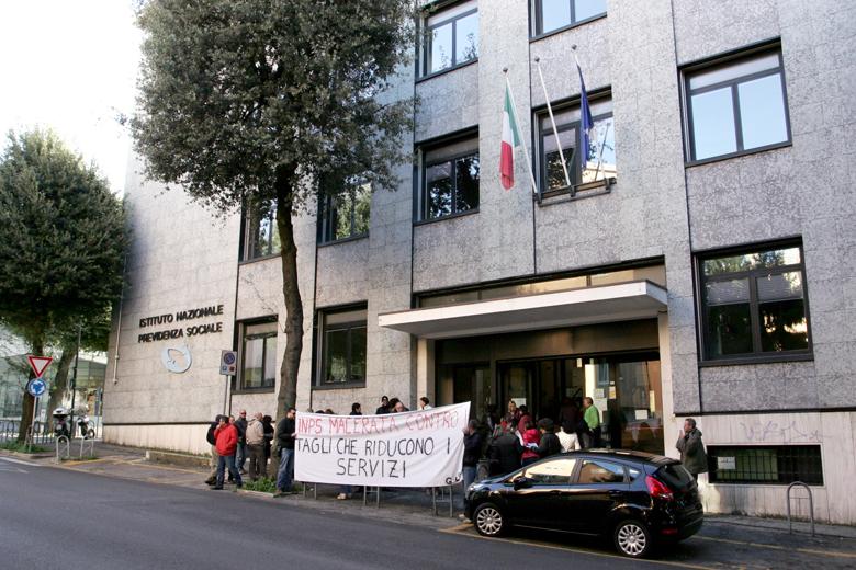 Protesta-Inps-Macerata-1