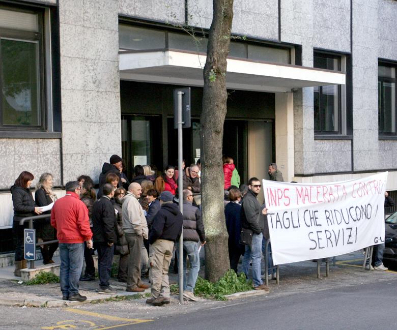 Protesta-Inps-Macerata-2