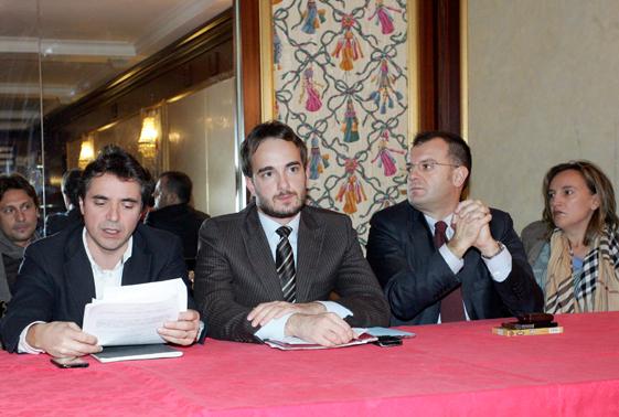 conferenza-stampa-opposizione-2