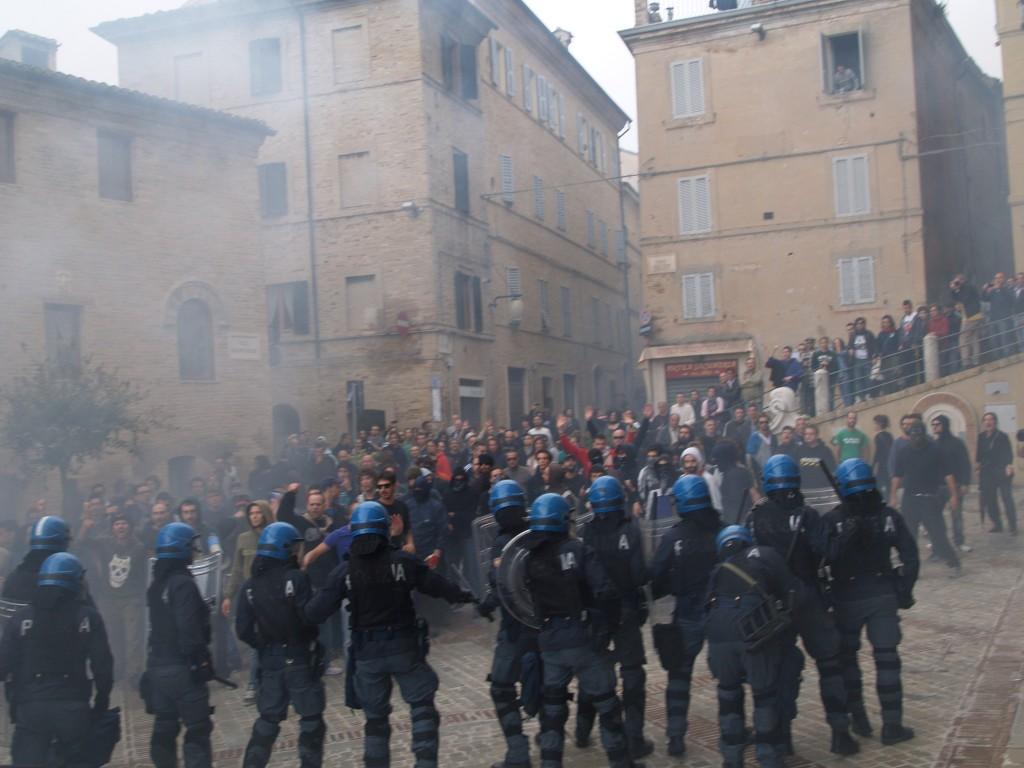 manifestazioni-piazza-mazzini