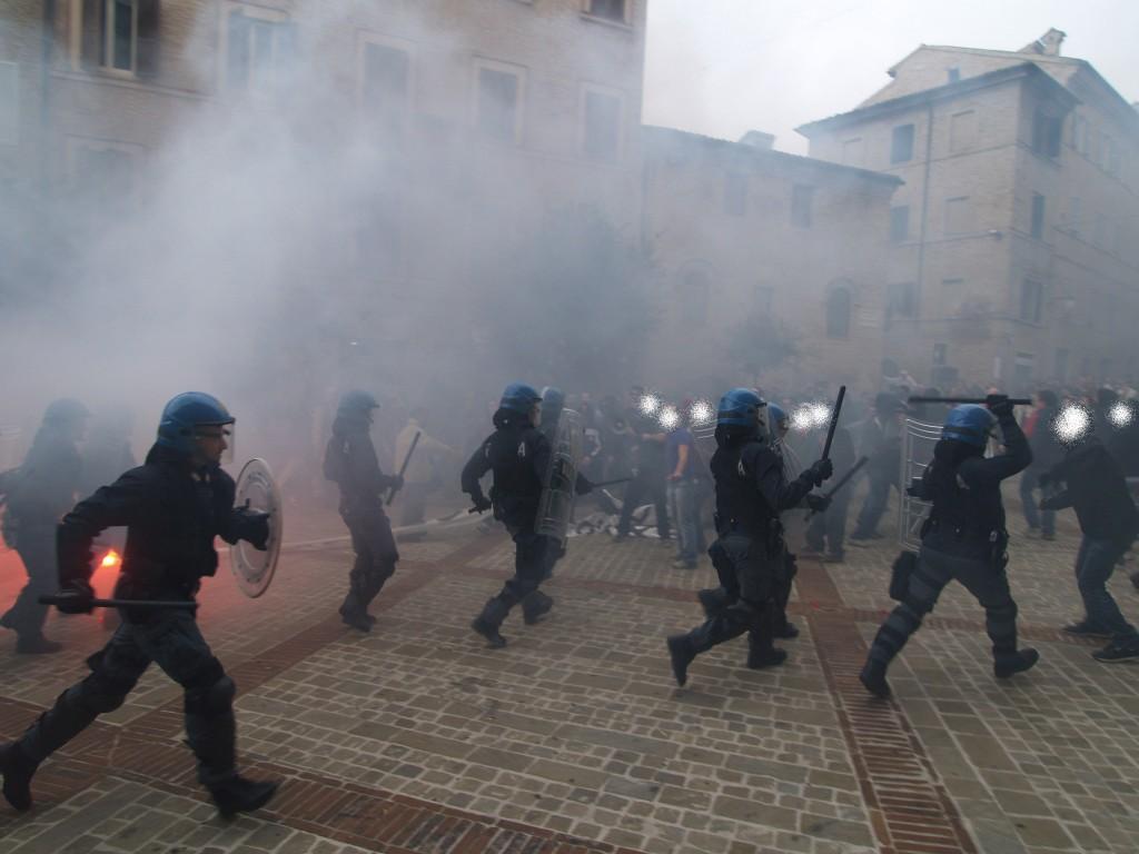 scontri-piazza-mazzini