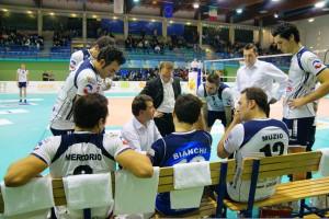 Coach-Graziosi-parla-alla-squadra