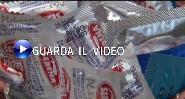 condom-cafe-0