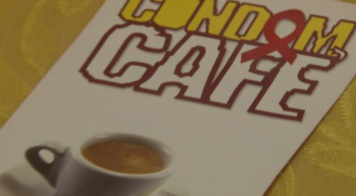 condom-cafe-1
