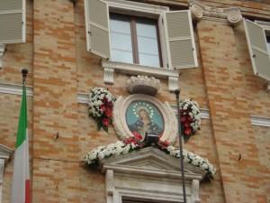 icona-maria-con-fiori